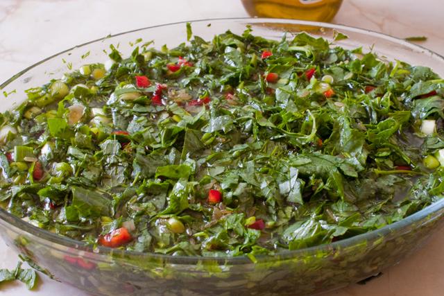stevie,orez brun,marar,ardei capia,usturoi si ceapa verde, sare si piper, cu apa