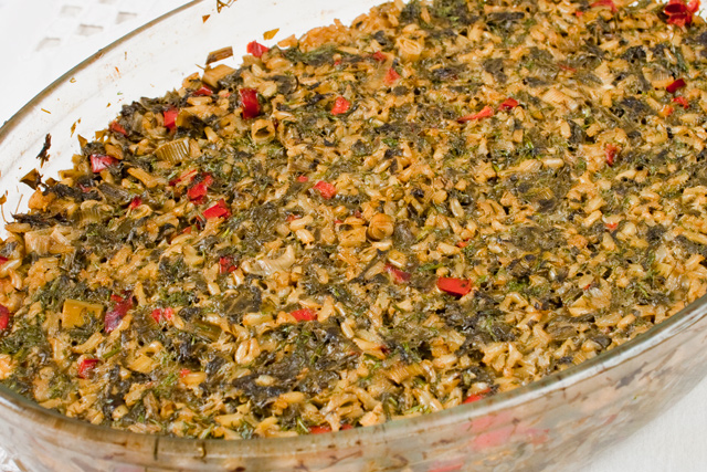 stevie cu orez brun si verdeturi, la cuptor