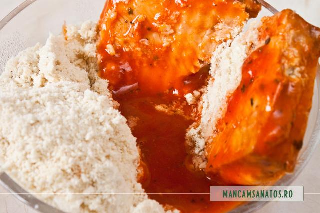 file de somon , sos tomat cu busuioc si nuci caju macinate