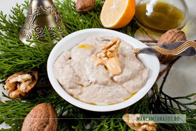 maionezza de nuci crude, cu adaos de mustar iute si ulei de masline presat la rece