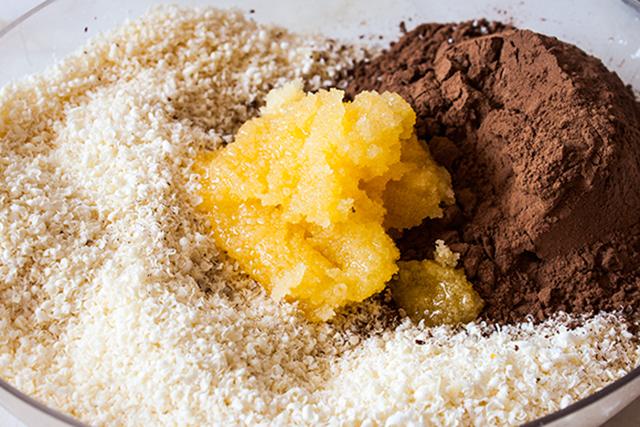 unt de cacao, pudra de roscove si miere de albine, pentru ciocolata pura, raw