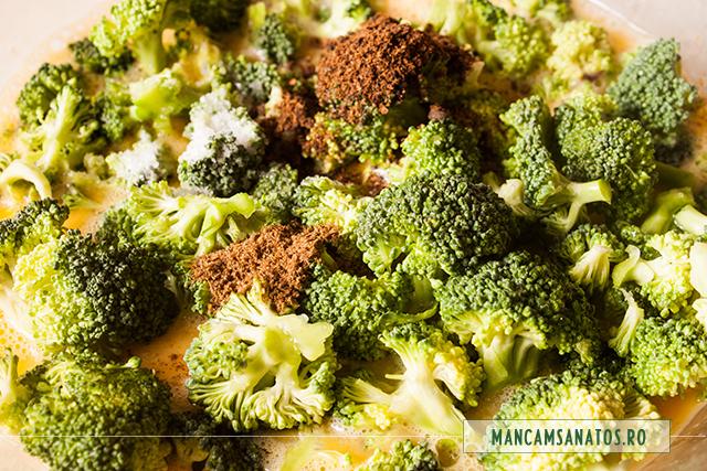 oua batute cu broccoli, ienibahar, chimen si sare, pentru omleta coapta