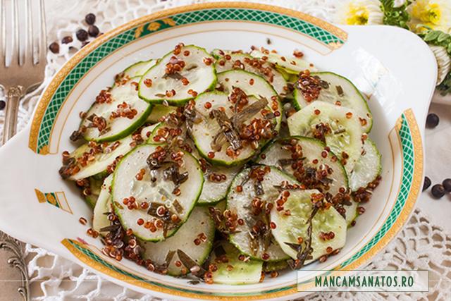 salata de castraveti si quinoa, cu dressing de ienupar si tarhon