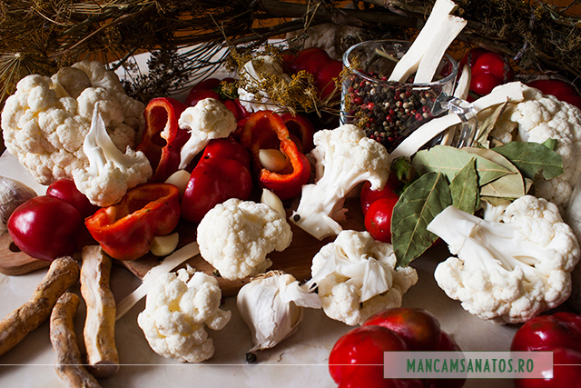 conopida, gogosari si mirodenii, pregatite pentru murat cu saramura rece