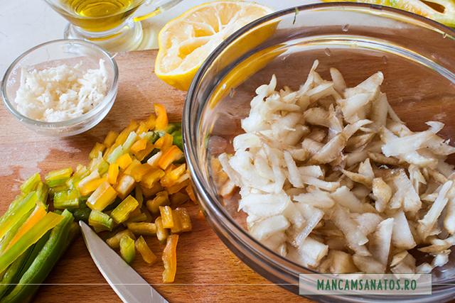 topinambur, ardei, hrea, lamaie si ulei de masline, pentru salata