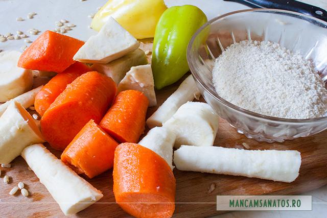 orez integral rasnit, morcovi, albitura si ardei, pentru supa crema