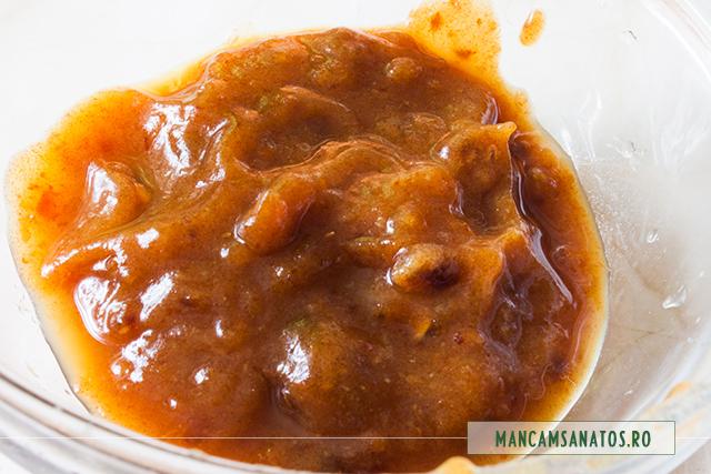 sos din curmale, pentru placinta rustica raw vegana, cu mere