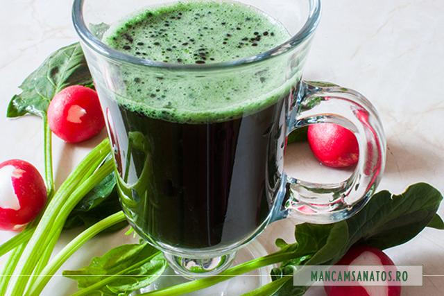 suc verde, cu microalge
