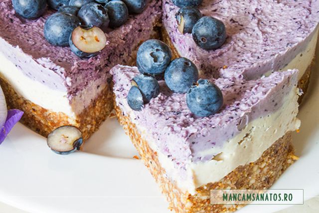 cheesecake raw vegan, cu afine, feliat