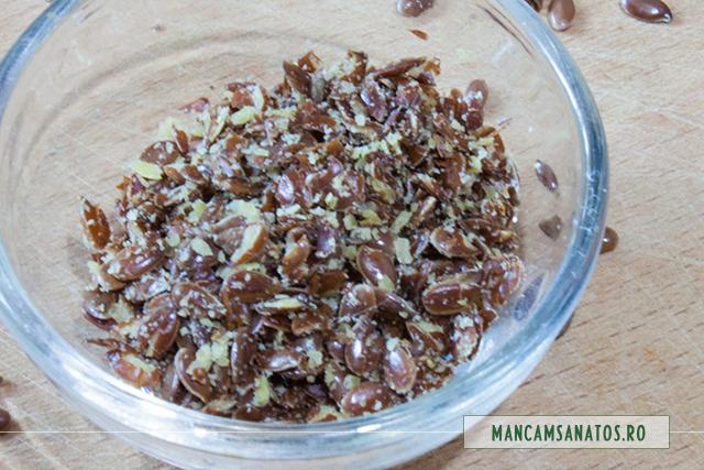 seminte de in zdrobite, pentru smoothie cu mere, galbenele si scortisoara