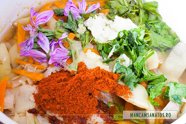 ingredient crude, adaugate peste fasole pastai, ceapa si morcovi feirti, pentru ciorba cu nalba salbatica