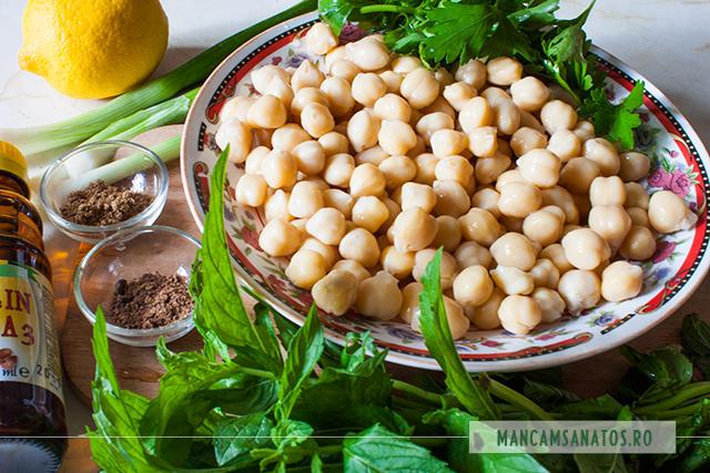 naut fiert, verdeturi, condimente, ulei de in si lamaie, pentru salata
