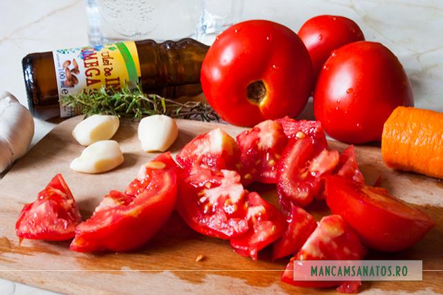 rosii si alte ingrediente, pentru supa cu gheata