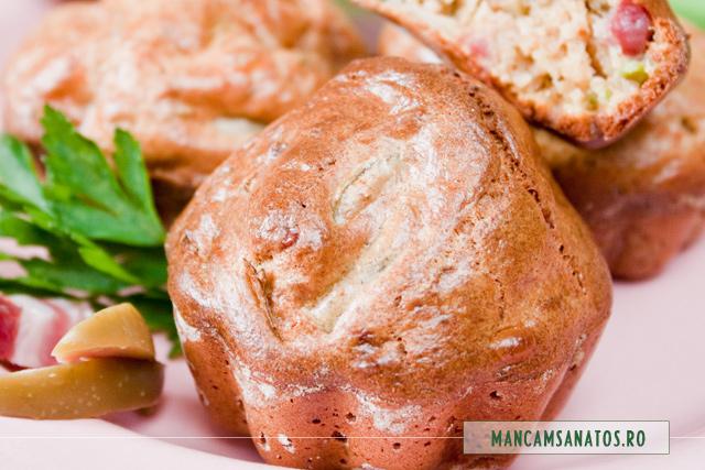 muffins integrale cu bacon, lacate si masline verzi, detaliu