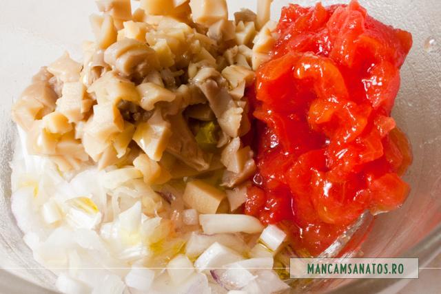 ciuperci, cu rosii, ceapa si ulei de canepa, pentru umplut anghinare fiarta