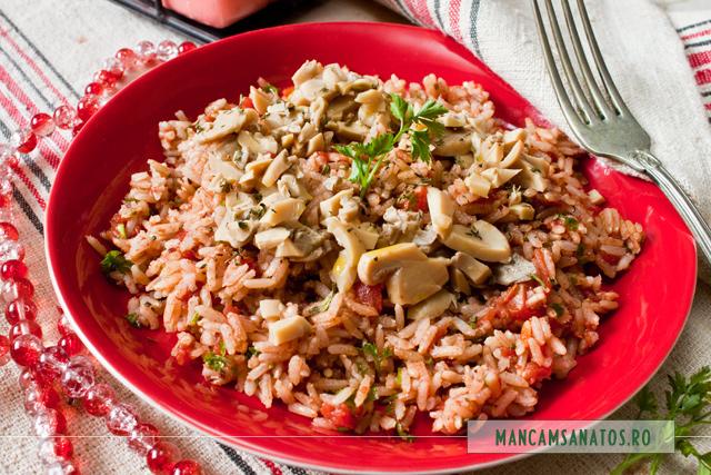 orez brun cu ciuperci si rosii conservate sanatos (Sun Food)