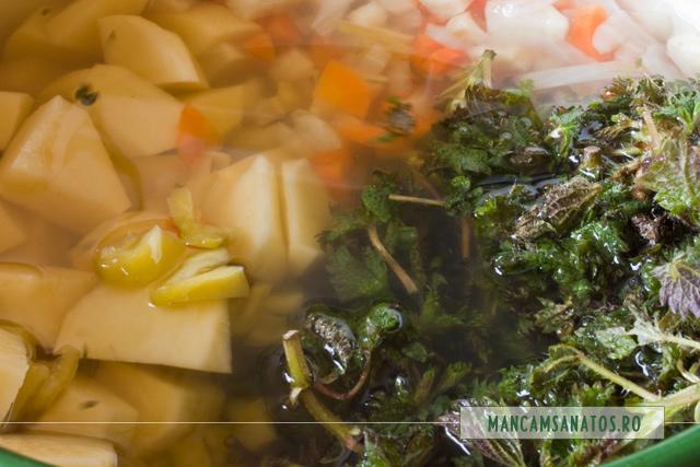legume fierte, cu cartofi, ardei si urzici pentru ciorba
