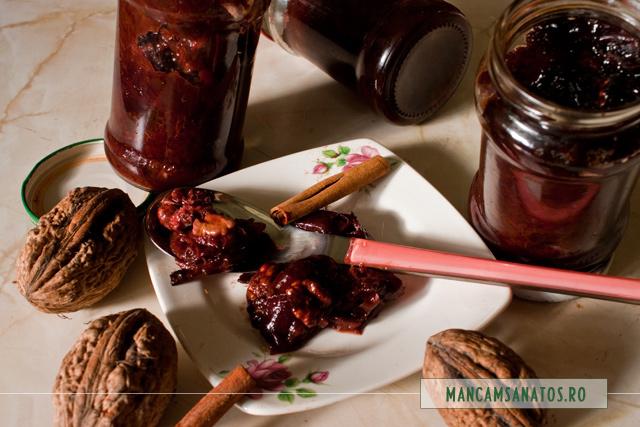 dulceata de prune, cu nuca si scortisoara, fara zahar