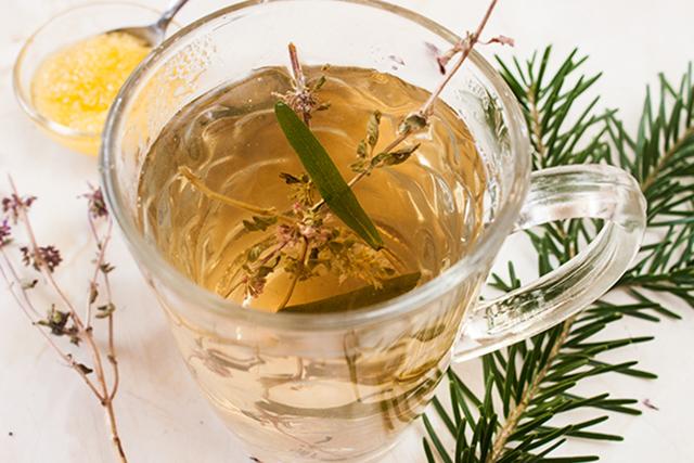 ceai de rozmarin si menta salbatica