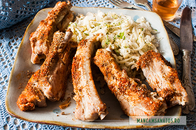 piept de porc degresat, cu salata de varza murata cruda