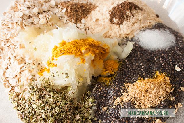seminte de chia hidratate, fulgi de ovaz si de drojdie inactiva, ceapa, lamaie, sare si  mirodenii, pentru aperitiv raw