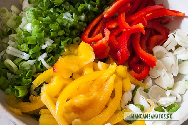 usturoi, ceapa verde, ardei, pentru broccoli in sos cu salvie verde