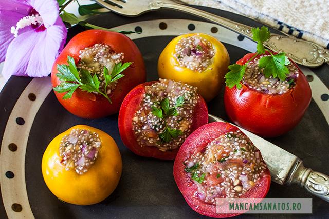 rosii umplute raw vegan, cu ceapa si seminte de chia