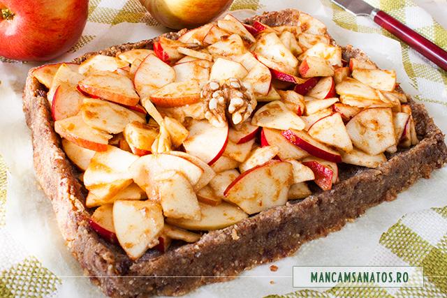 placinta rustica raw vegana, cu mere