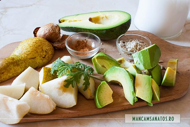 avocado, para, seminte de floarea soarelui, scortisoara, muscata parfumata, lapte de cocos si migdale, pentru smoothie