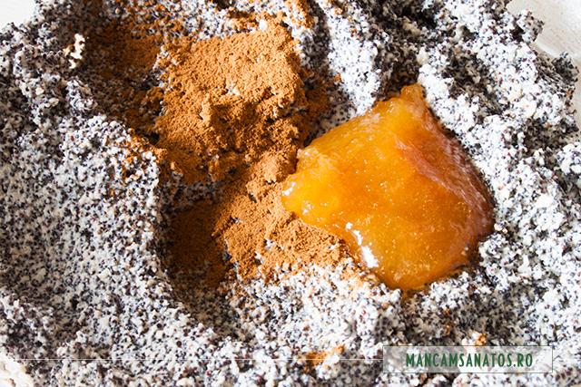 umplutura de mac, cu scortisoara si miere, pentru beigli