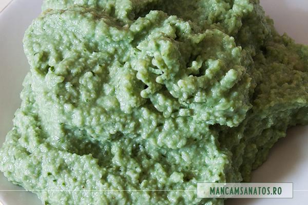 crema cu menta si spirulina, pentru caucakes raw vegane