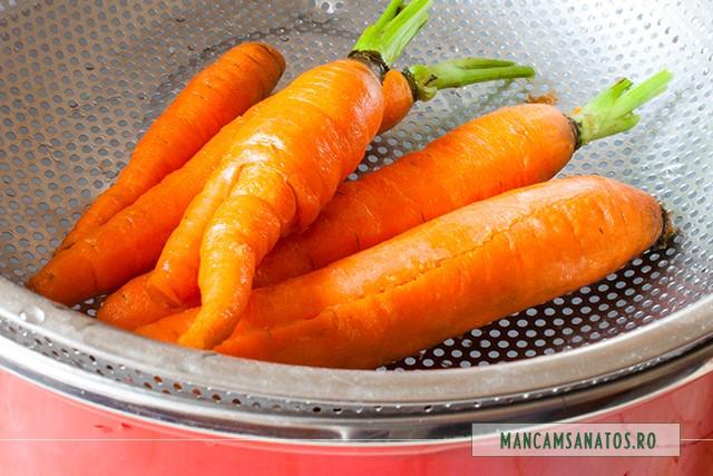 morcovi pregatiti pentru fiert la abur