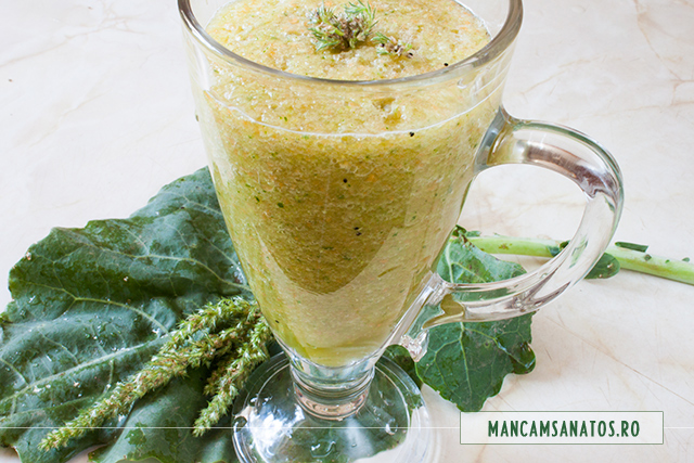 smoothie cu legume, verdeturi si seminte de stir