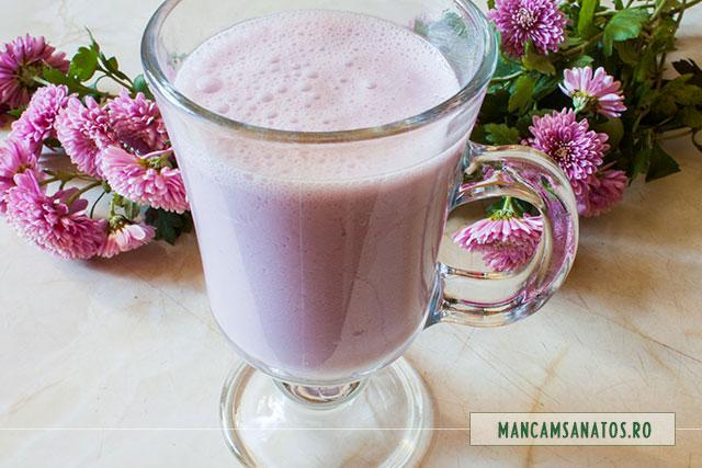 lapte de caju, cu seminte de rodie