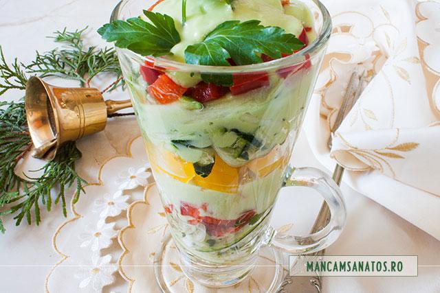 sos de avocado si alte ingrediente pentru aperitiv festiv, raw vegan