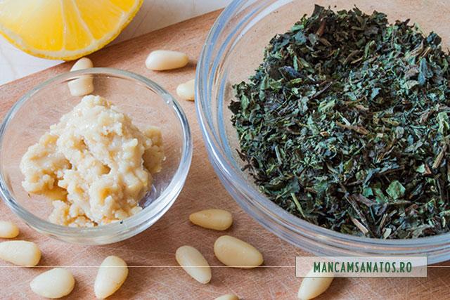 seminte de pin rasnite, pentru ceai de urzici
