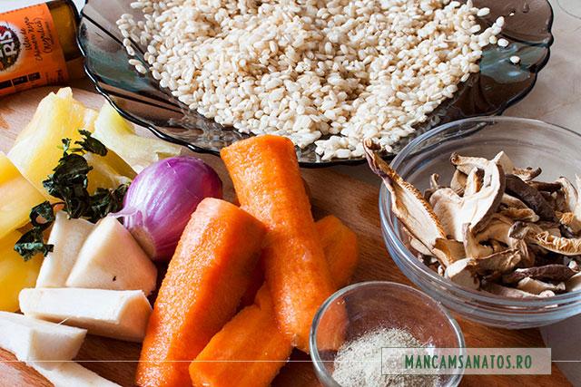 orez hidratat, ciuperci shiitake si legume, pentru supa vegetariana