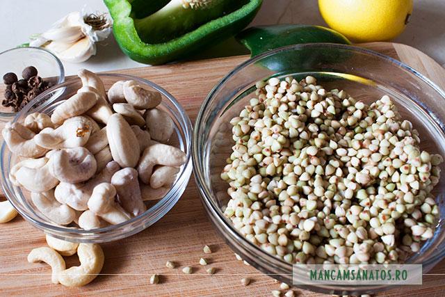 seminte de hrisca si alune de caju, crude, hidratate, si alte ingrediente, pentru pateu raw vegan