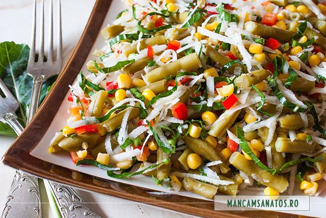 salata proteica vegetariana, cu gulie