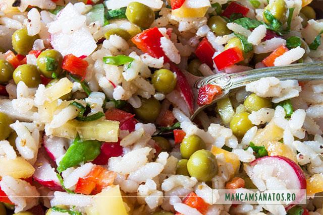 salata proteica vegetariana, cu ridichi, detaliu