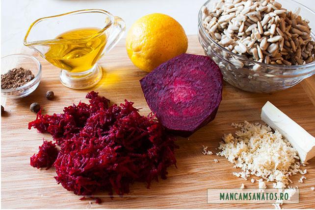 sfecla rosie, pentru tort aperitiv raw vegan, cu flori de muscata
