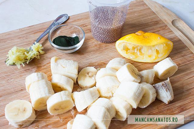 ingrediente spuma proteica de banane, cu pudra de chlorella si seminte de chia