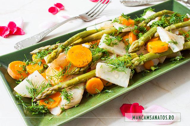 asparagus aldente, cu morcovi si telina, aromatizate