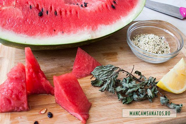 pepene rosu si alte ingrediente pentru smoothie