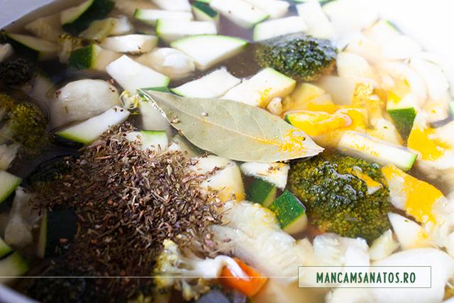 mirodeniile si borsul adaugate pentru bors de iarna cu legume, mirodenii si lapte vegetal