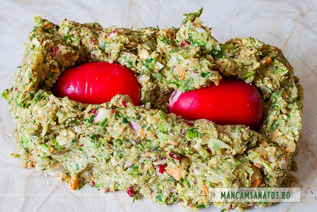 ridichi adaugate in  compozitie, pentru pentru drob raw vegan cu nuci, avocado, ridichi si verdeturi