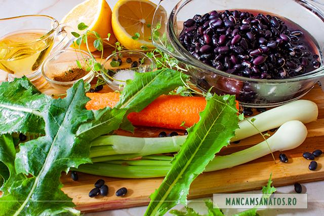 ingrediente pentru salata de fasole neagra, cu frunze de susai si mirodenii