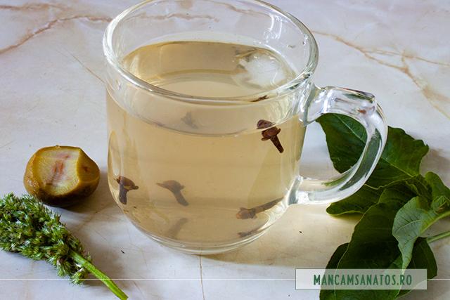 ceai de piersici verzi si stir, cu gheata si cuisoare