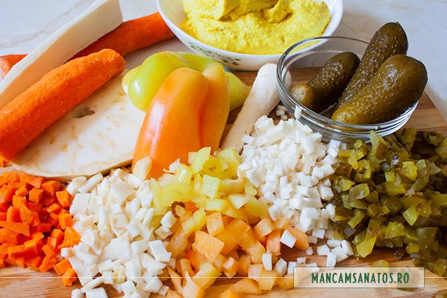 legume crude, tocate, pentru salata de cruditati cu maioneza din radacina de patrunjel si alune de caju