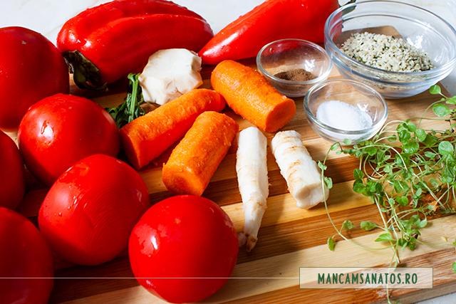 ingrediente pentru supa crema de rosii si ardei, cu seminte de canepa si oregano verde